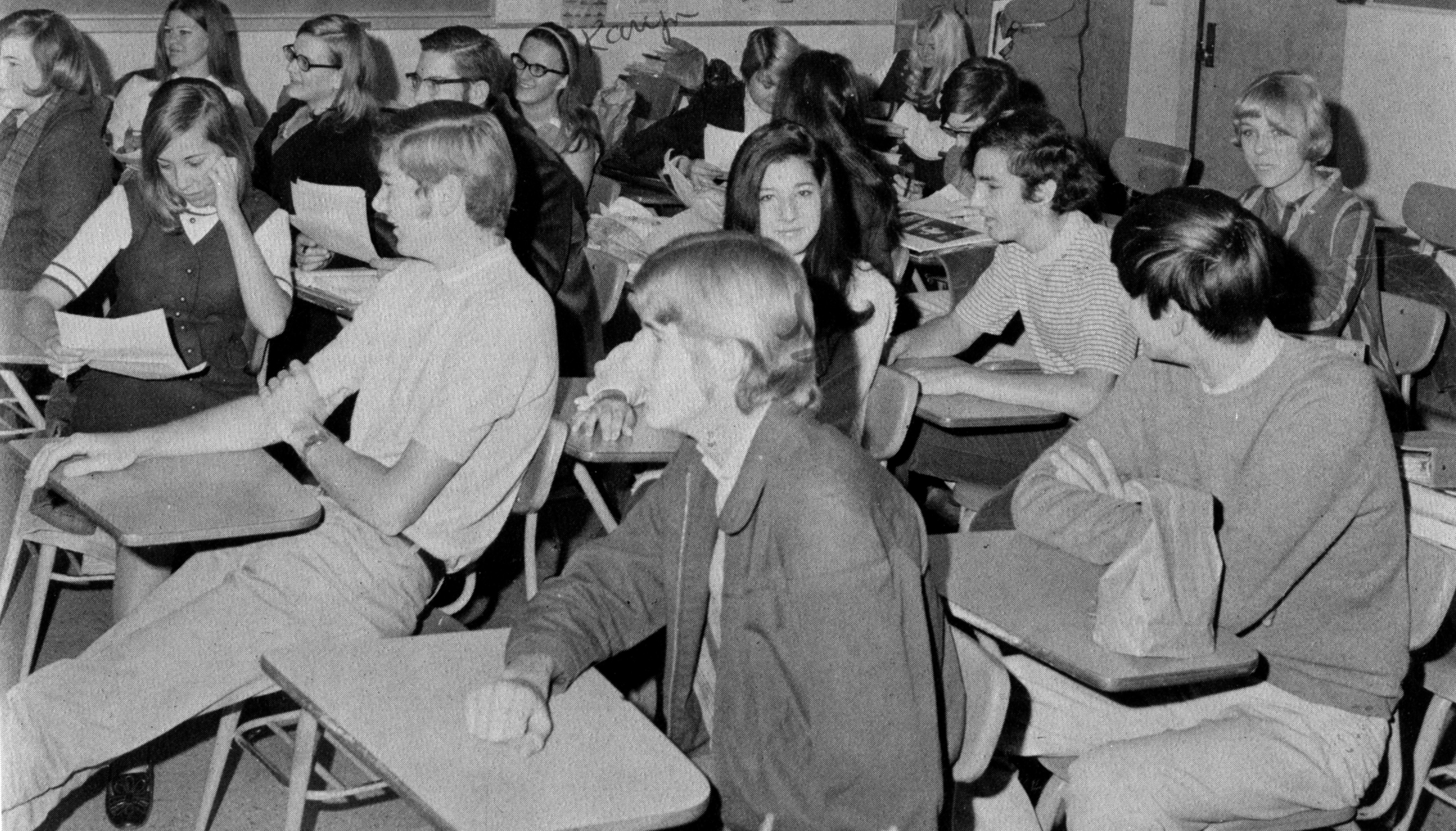 1970 The Scroll Poetry and Writing  Club